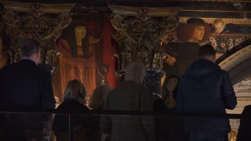 Im Kunsthistorischen Museum Wien (KHM) ist man wieder unter die Brückenbauer gegangen: Wie schon zum 150. Geburtstag 2012 hat man auch im heurigen Jubiläumsjahr von Gustav Klimt die